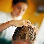 Eliminar las espinillas y granos del cuero cabelludo: Prevención y tratamiento