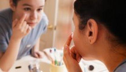 El láser, un buen remedio contra el acné y las manchas de la piel