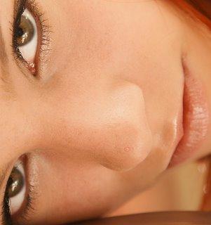 Granos dentro de la nariz: Causas, tratamiento y